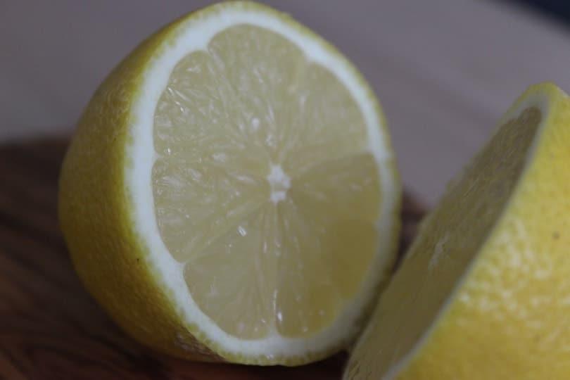 un citron tranché