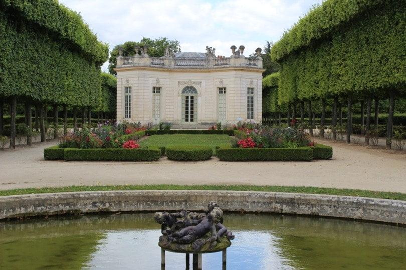 pavillon francais et bassin au petit Trianon