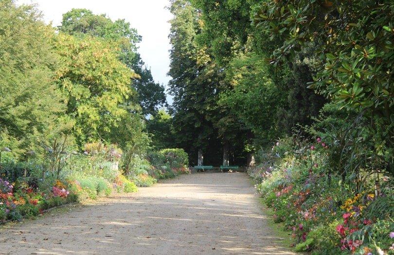 Allée du jardin des plantes de Coutances