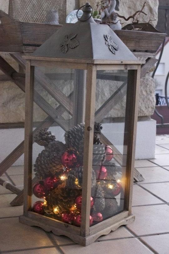 Lanterne décorée pour Noël
