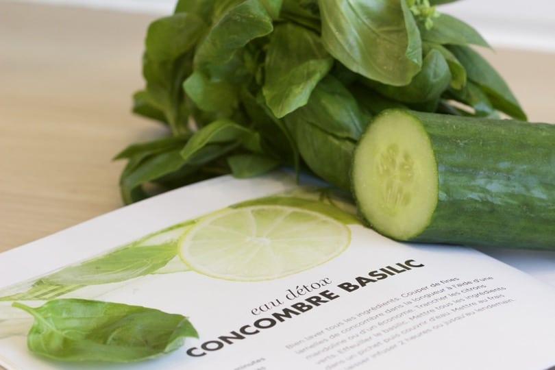 concombre et basilic pour une eau infusée détox