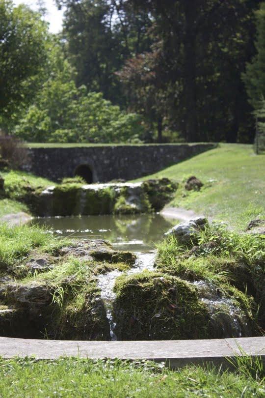 Jardin à l'anglaise du château de Bizy à vernon en Normandie