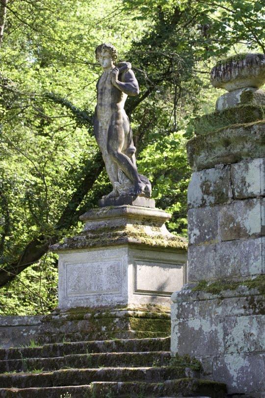 Apollon terassant le python du château de Courances