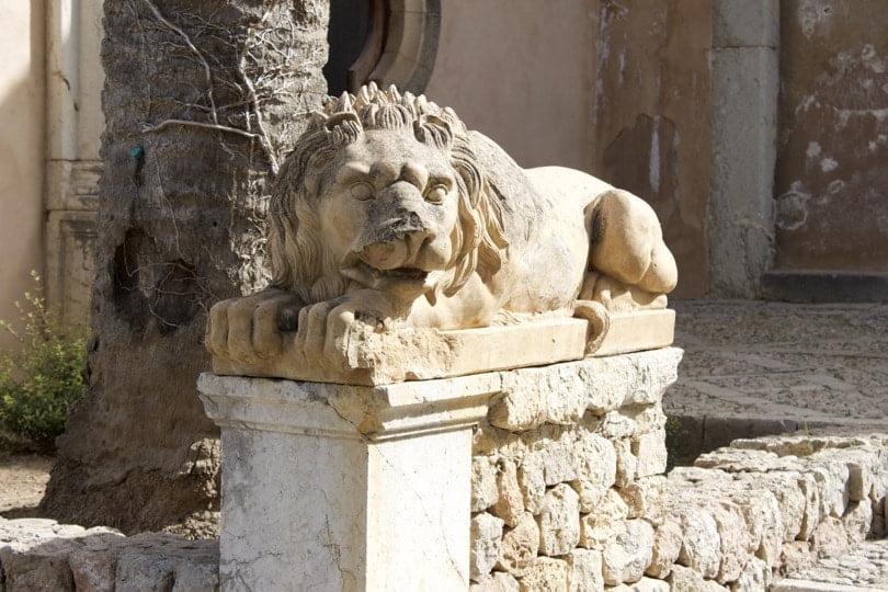 Lion à l'entrée des jardins d'Alfàbia à Majorque
