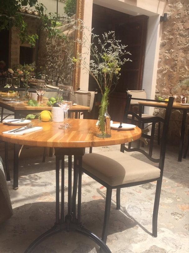 Découvrir Majorque, déjeuner au restaurant le Luna 36 à Sóller.