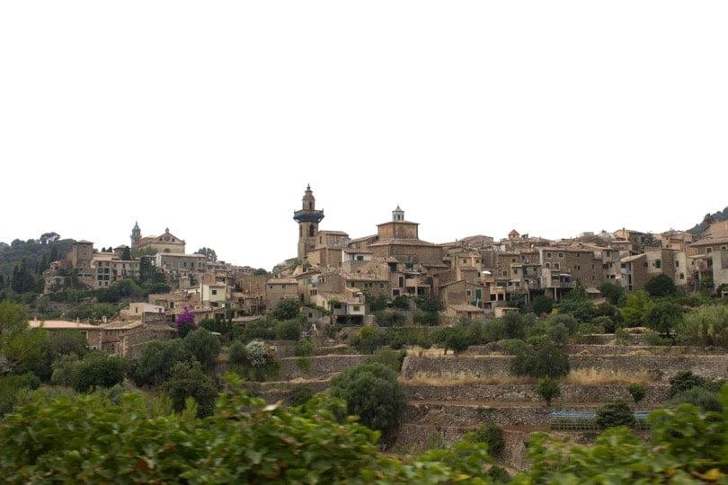 Visiter la ville de Valldemossa à Majorque.