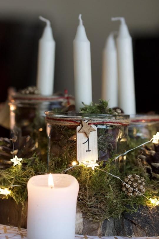 Mon centre de table avec des bougies pour l'Avent.
