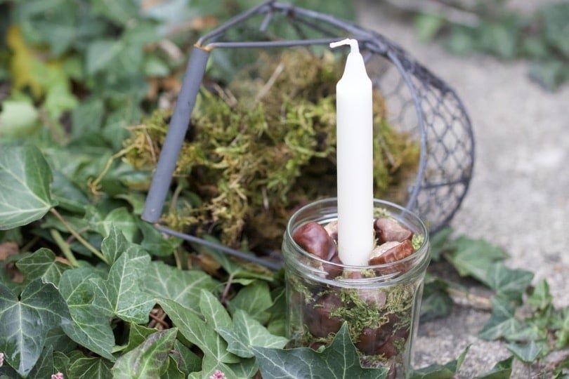 Préparer l'Avent avec des fruits des bois et des bougies.