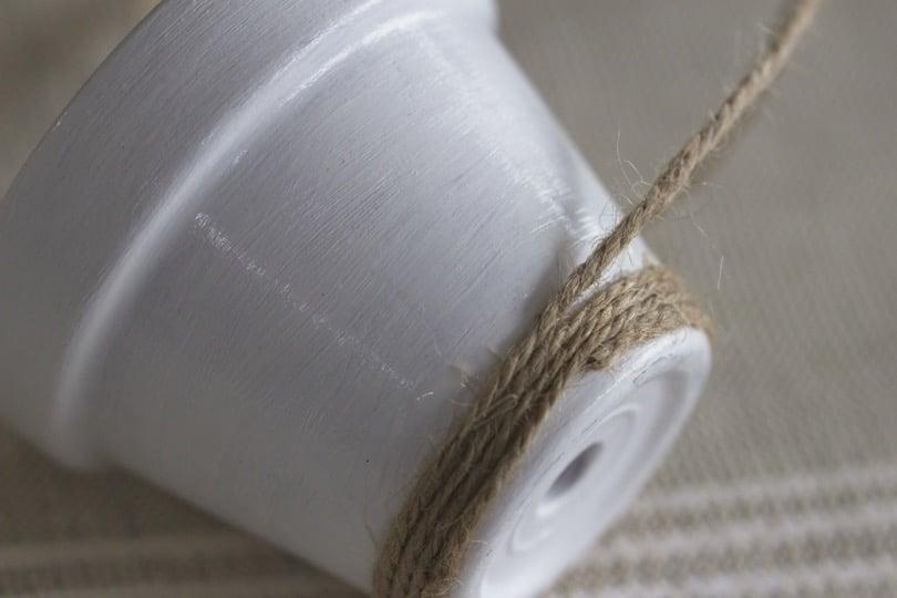 Ficelle de lin pour customiser des pots en terre cuite