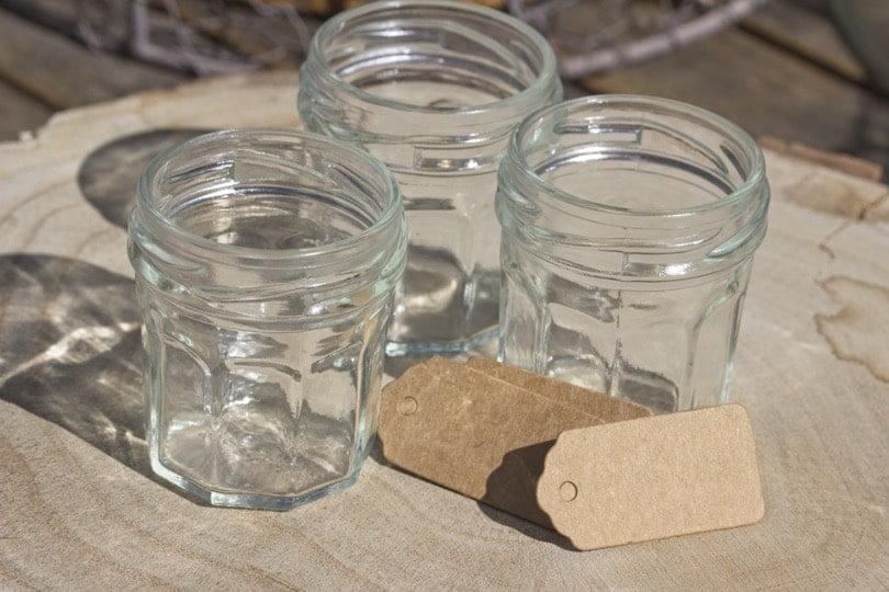 Mini pots de confitures pour valoriser des boutures de pilea
