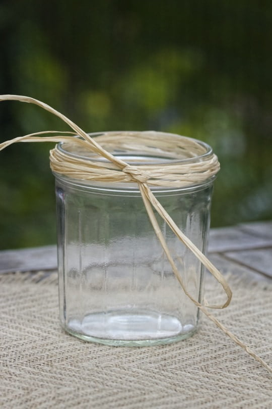 Des pots de confiture transformés en vase