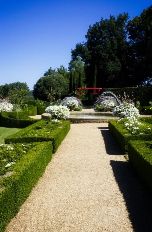 Allée du jardin blanc d'Eyrignac