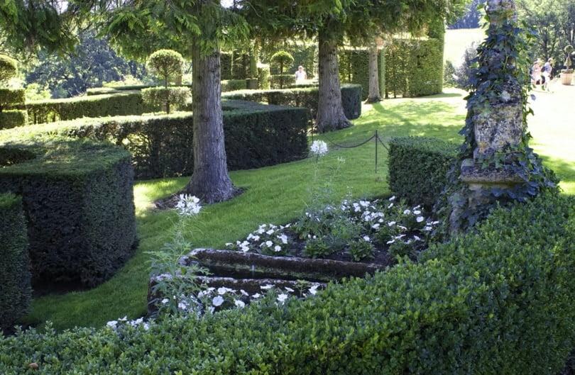 Fontaine de l'allée des vases d'Eyrignac