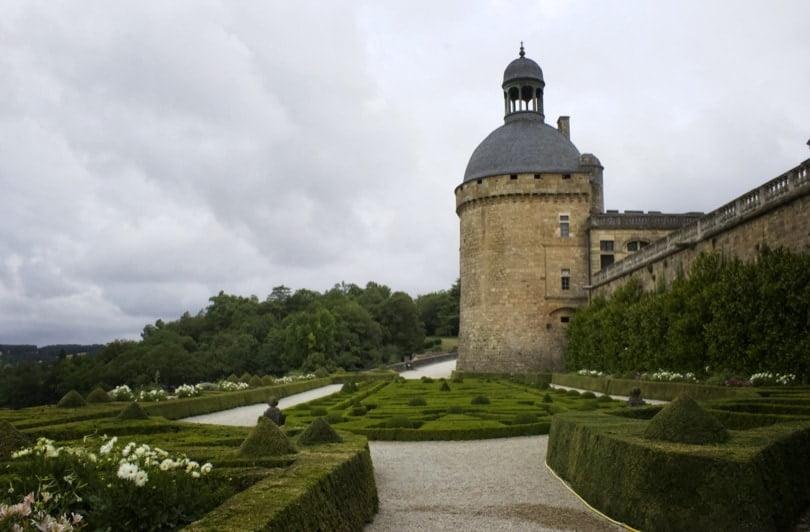 Jardin à la française au château de Hautefort