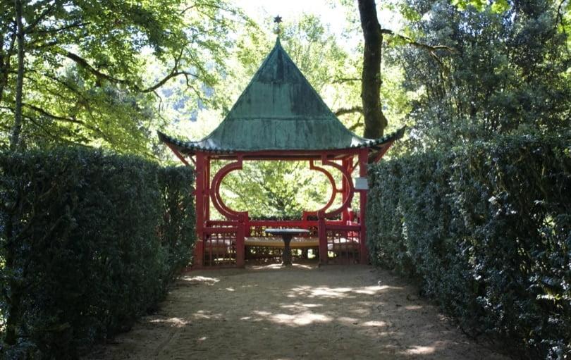 Pavillon chinois dans les jardins d'Eyrignac